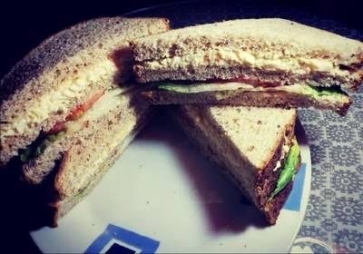 Sandwich de verdura de pan de molde integral o normal. 🥪🥪