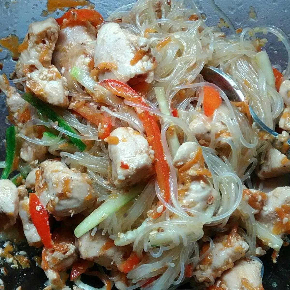 салат из фунчозы острый рецепт с фото