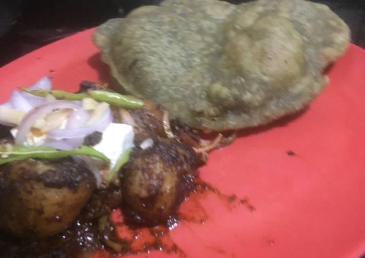 Pindi chana & palak bhatura