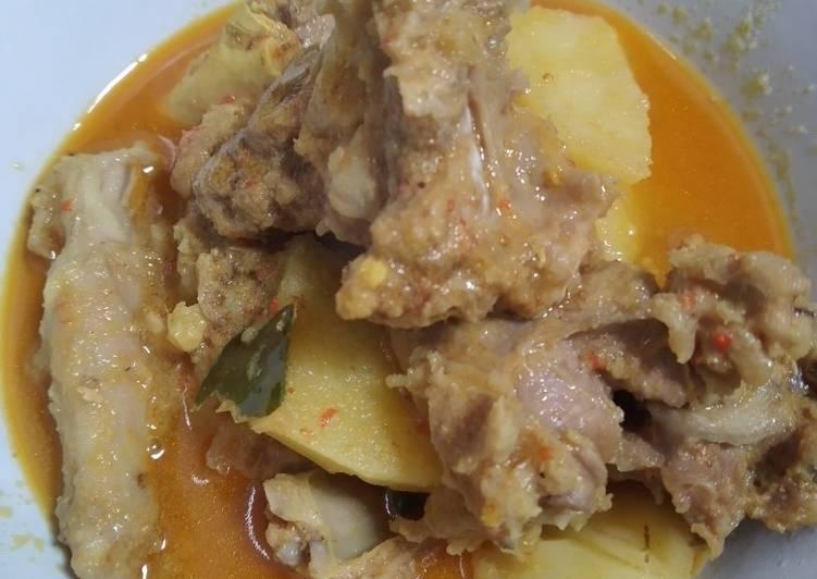 Gulai daging kambing dan kentang