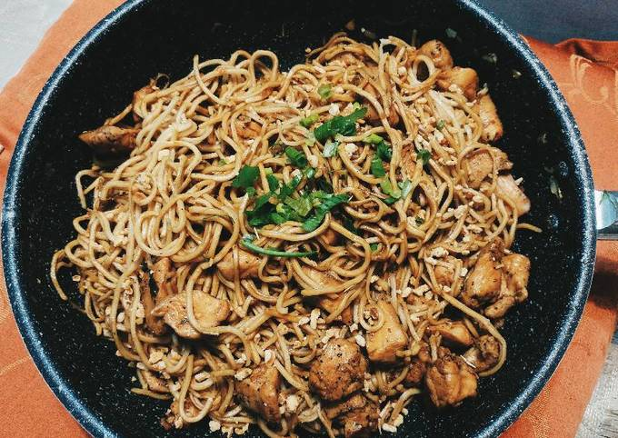 Easy Garlic Beef Chinese Noodle
