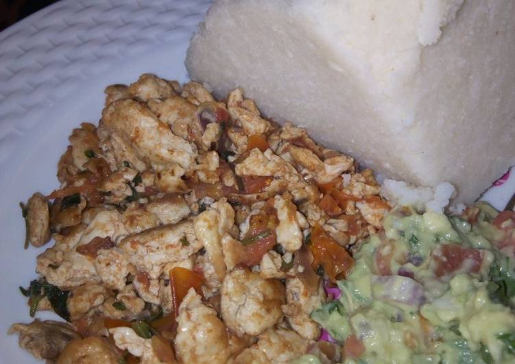 Scrambled eggs and guacamole