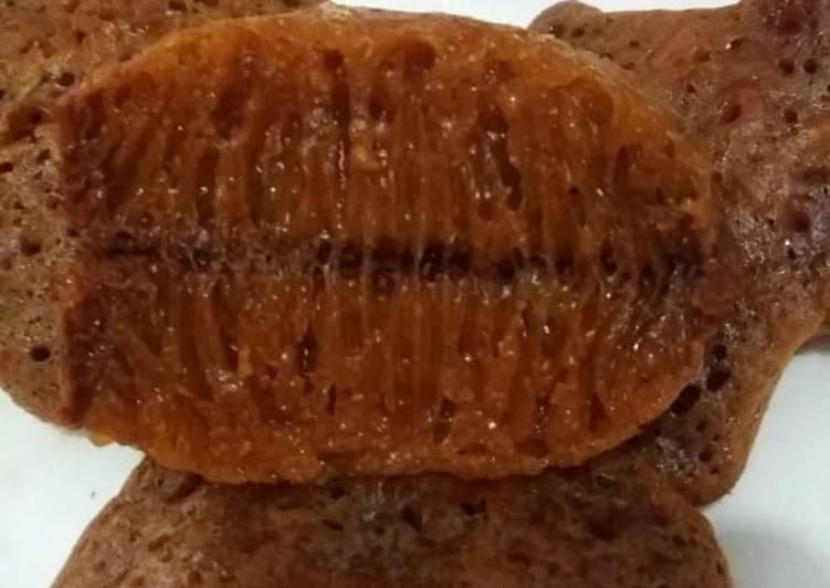 resep menyajikan 25. Bolu karamel / sarang semut - Sajian Dapur Bunda