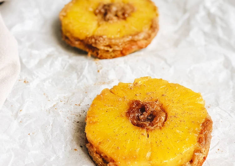 15 Minute Recipe of Winter PINEAPPLE UPSIDE-DOWN MINI-CAKES
