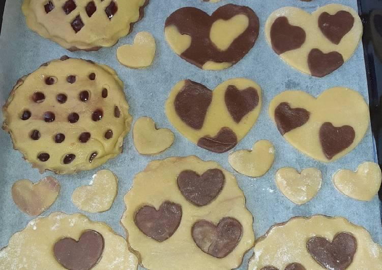 Biscotti e crostatine bicolori