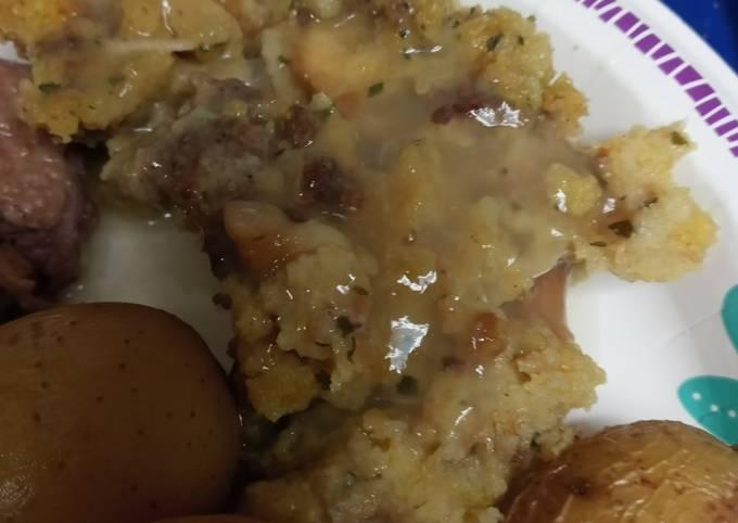 How to Prepare Tasty Chestnut, Sausage Dressing