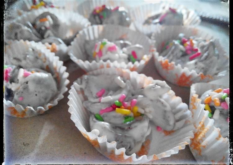 Chocolate corn flake cookies