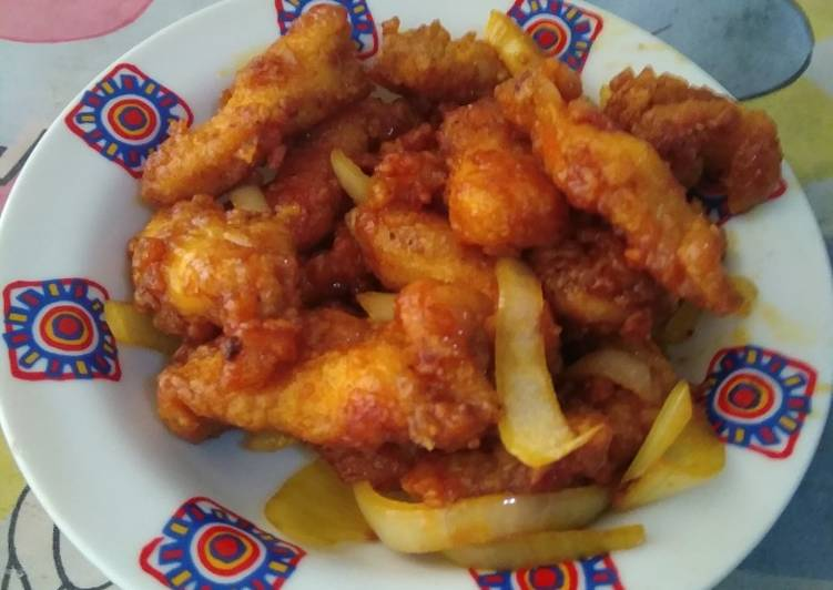 Ayam goreng Sajiku tumis bawang Bombay
