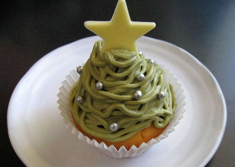 Steps to Make Quick Matcha & Chestnut Christmas Cupcakes