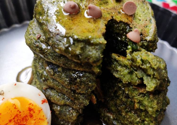 Oats-palak/spinach pancakes