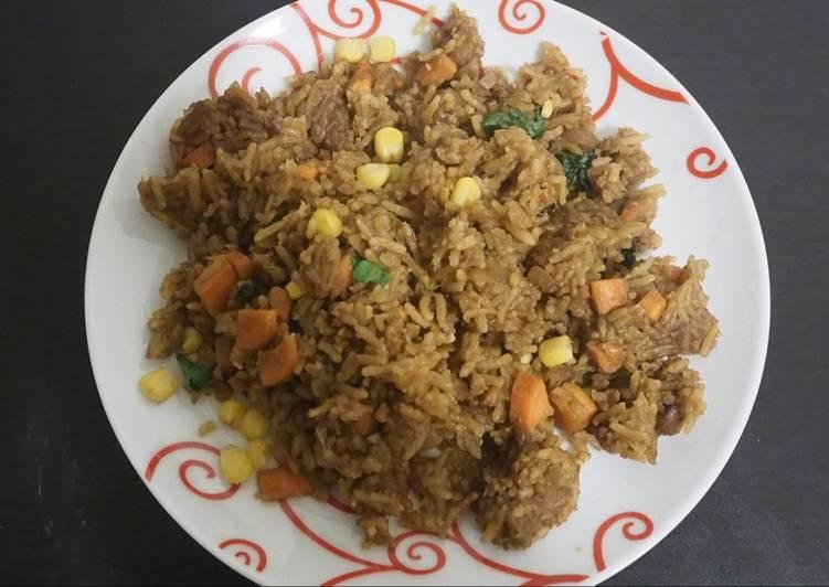 Comment Servir Riz frit à l'asiatique
