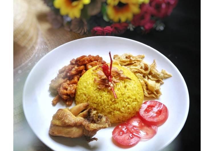 Nasi Kuning (Rice Cooker)