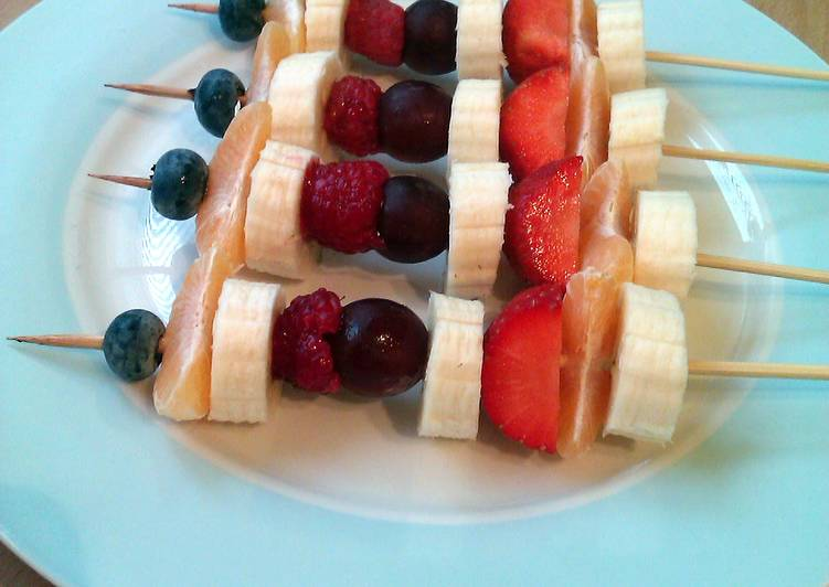 Recipe of Award-winning Vickys Fruit Skewers, Kids Favourite