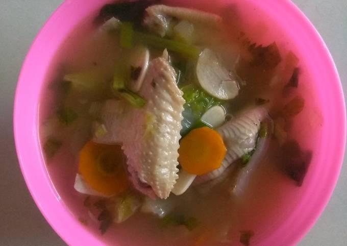 Sop Ayam SaKer (sayap & ceker)