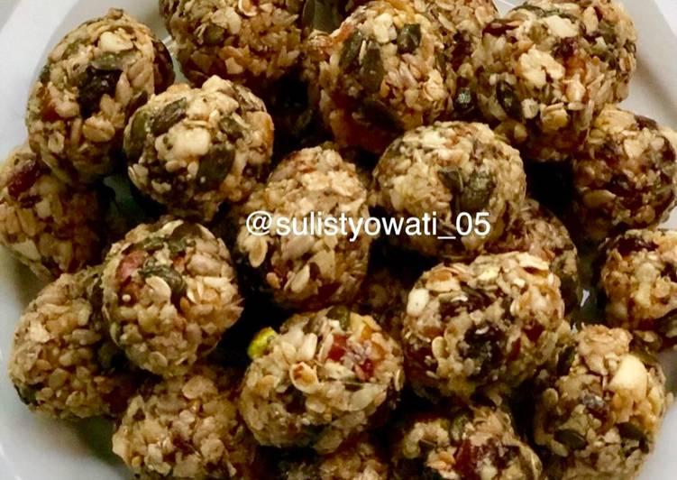 Resep Cemilan sehat ( Cranberries Pistachio Energy Bite