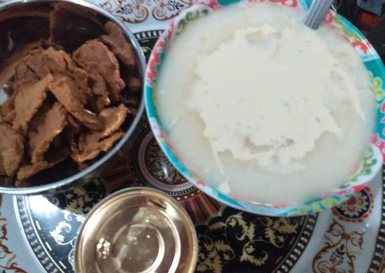 Information on How to Elevate Your Mood with Food Semolina pap with groundnut cake