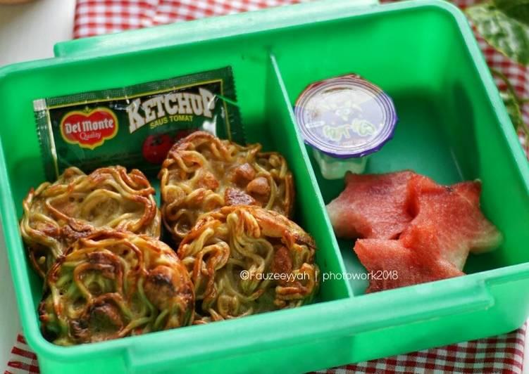 Resep Bekal Anak – Omelet Mie Bikin Jadi Laper