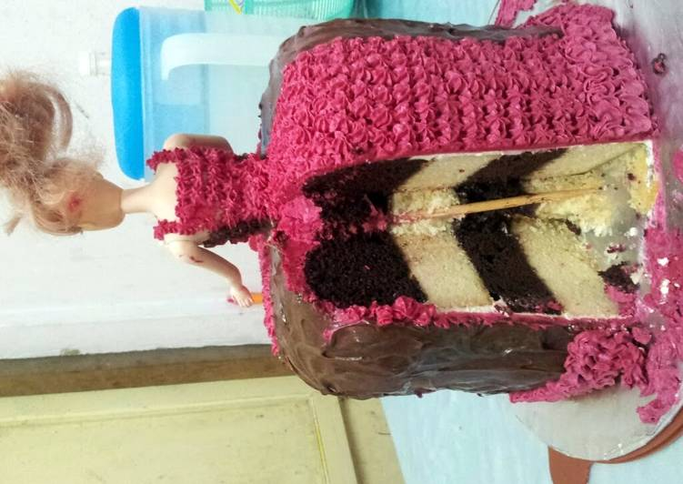 Barbie Cake (Eggless Chocolate Cake)