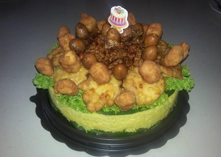 Tumpeng Cake