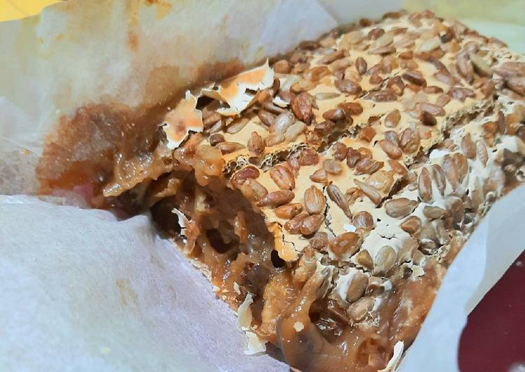 Dining 14 Superfoods Is A Great Way To Go Green And Be Healthy Walnut Raisin Rice Cake 호두 건포도 찰떡