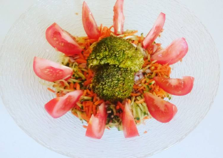 Salade de concombre toute fraîche