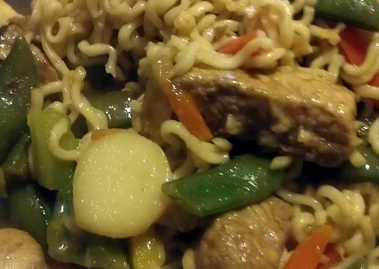 Steps to Prepare Ultimate pork lo mein with ramen noodles