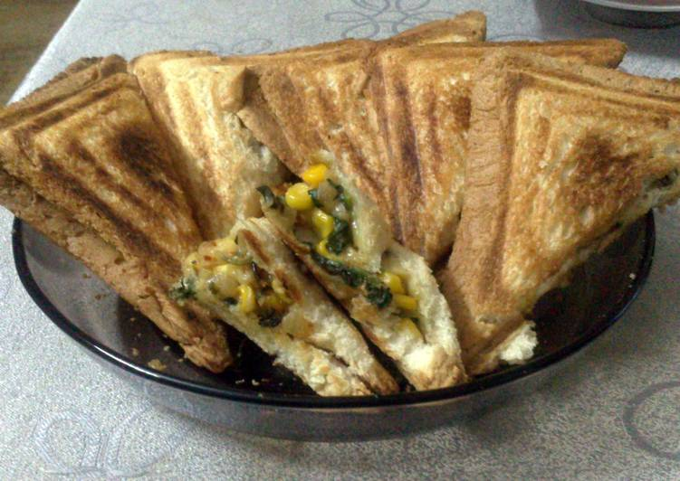 How to Prepare Perfect Spinach Corn Cheese Sandwich