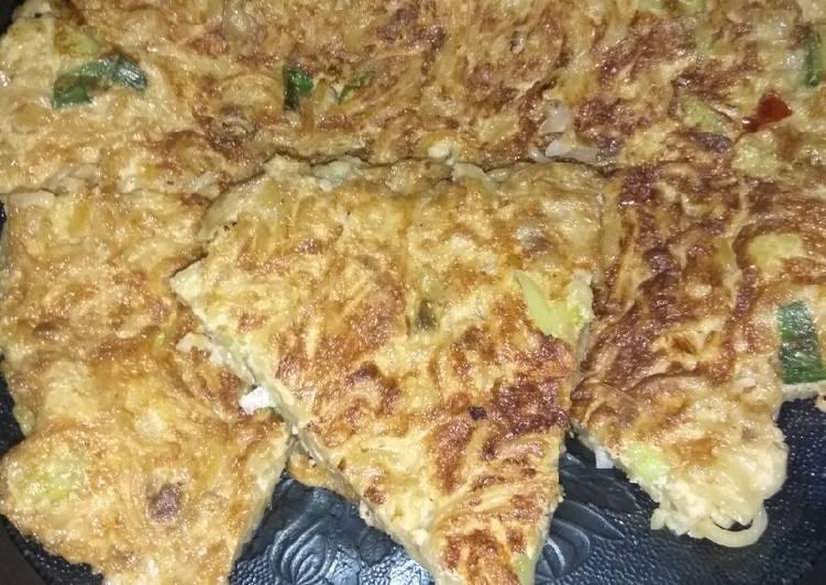 Omelette mie brokoli instan