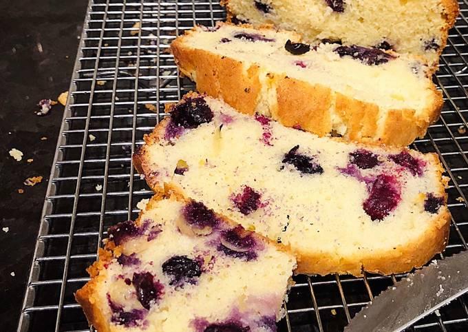 Recipe of Perfect Cream Cheese Blueberries Cake