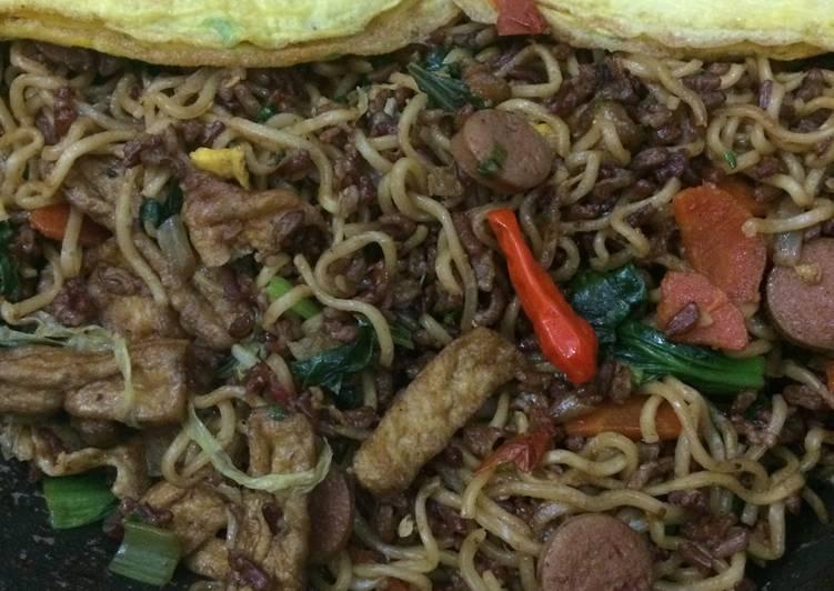 Mie (mawut) tek tek goreng - tahu sosis sayur 🍝 tanpa garam 👍🏼