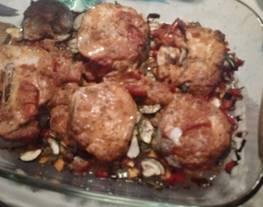 Merluza al horno con verduritas y salsa de mostaza