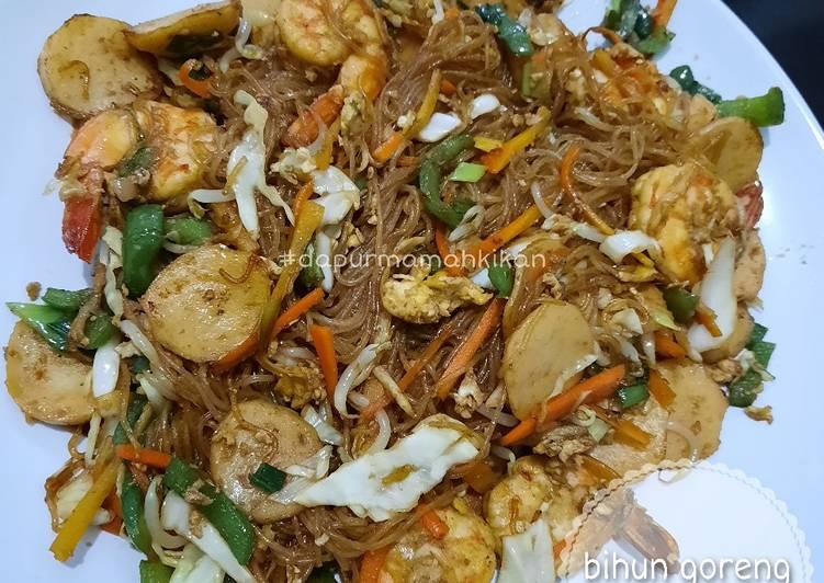 Bihun goreng seafood ala resto