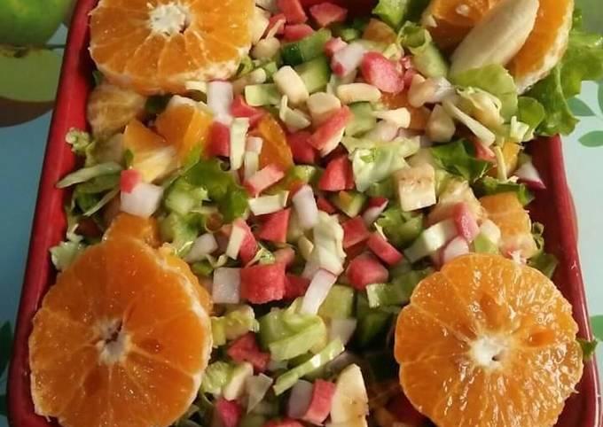 Fruity & veggie Salad🍌🍎🍊🍋