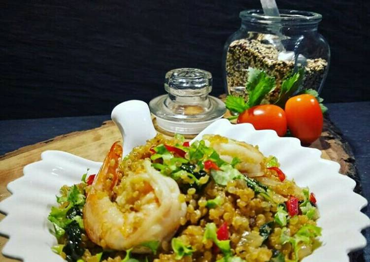 Fried Quinoa with Shrimp
