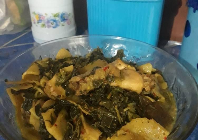 Gulai pedas daun singkong rebung ayam