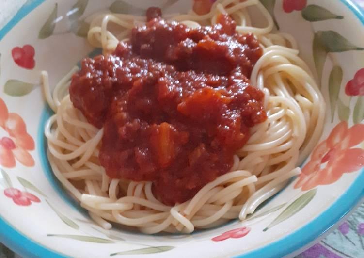 Spaghetti al ragù...a modo mio...buono!!! 😋😋😊😊