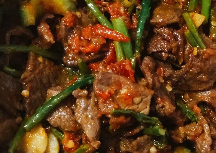 Recipe: Yummy Beef Belado with Thai Asparagus & Baby Bittergourd