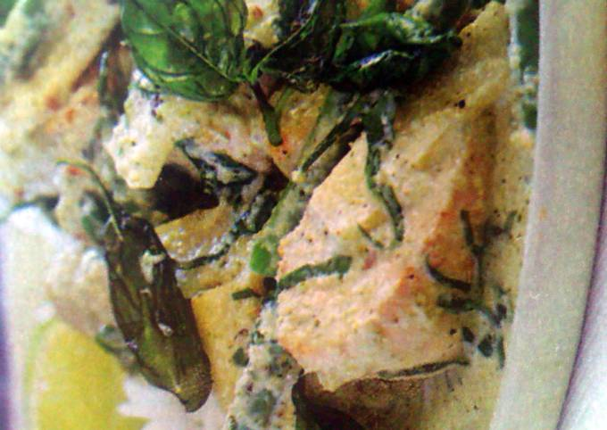 Easiest Way to Cook Delicious Green  chicken curry