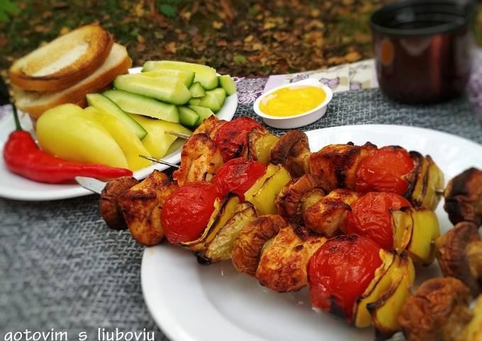Шашлычок из куриной грудки и овощей