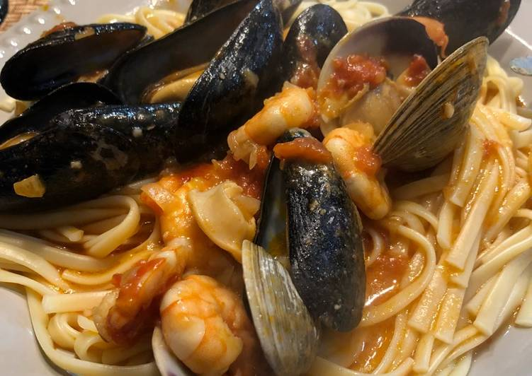 Recipe: Perfect Frutos do Mar over Linguini