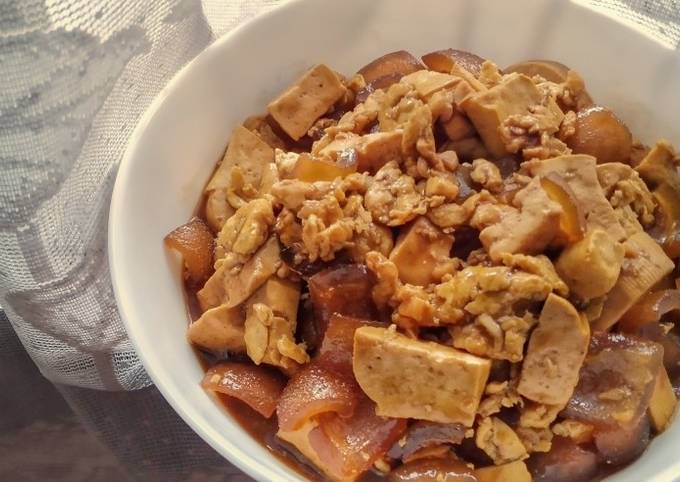 Tofu Beef Gravels and Egg in Soy and Oyster Sauce