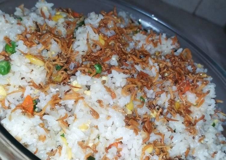 Nasi goreng teri-nasi