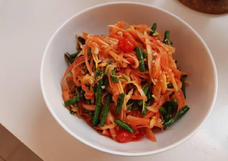 Resep Salad pepaya thailand Yang Simple Pasti Enak