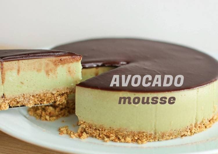 Chocolate Avocado Mousse Cake [No-Bake]