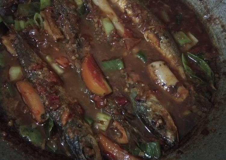 Ikan pindang sambel mercon