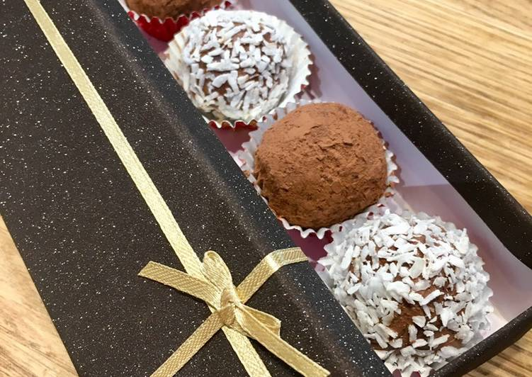 Recipe: Appetizing Raspberry Gin Chocolate Truffles