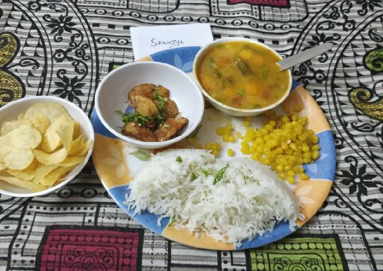 Recipe of Most Popular Sindhi Curry, Chawal,Tuk, Meethi Boondi,Chips