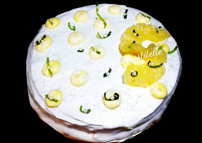 Gâteau coco et citron vert et garniture ananas et banane