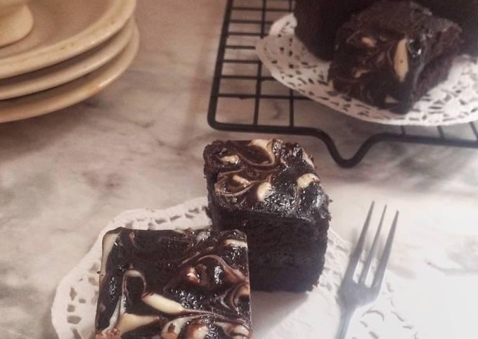 Brownies Kukus Choco Marble (Based Resep Brokus Ny.Liem)