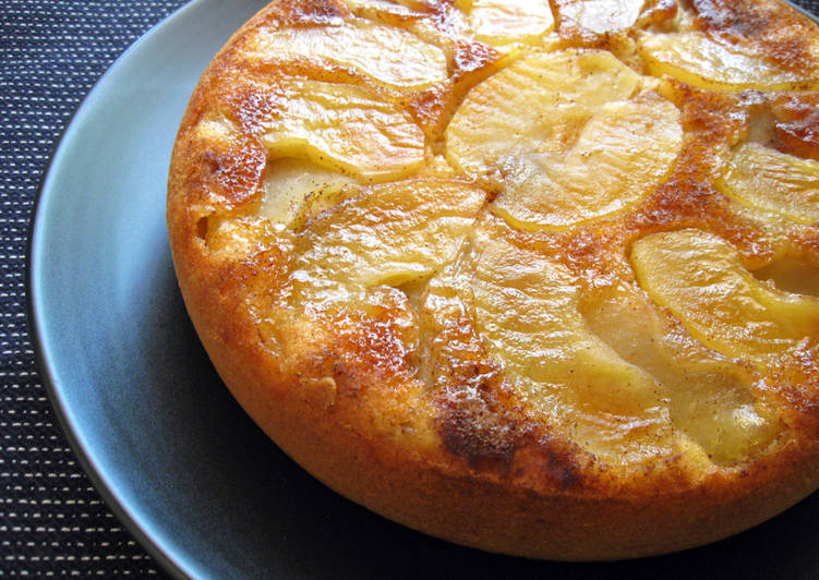 Rice Cooker Apple Upside-down Cake